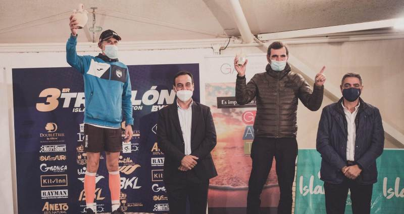 Juan Pedro Medina pone color sampedreño al triatlón andaluz