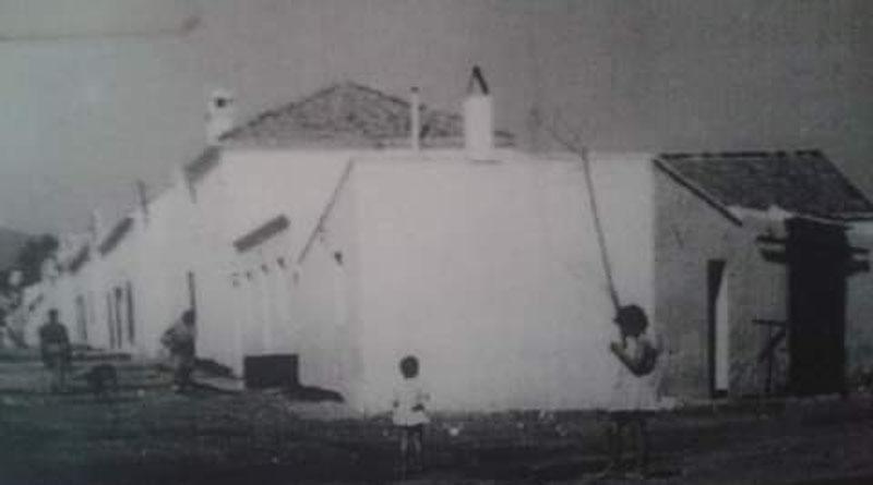 Izada la bandera del pueblo gitano andaluz en San Pedro